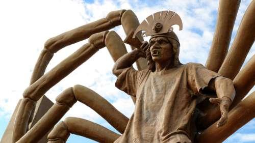 Découverte d'une fresque monumentale d'un dieu araignée brandissant un couteau au Pérou