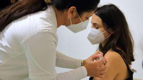 Covid-19 : le vaccin Pfizer très efficace après six mois