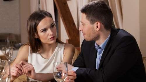 Les femmes savent si un homme est intéressé par une aventure d'un soir en regardant son visage