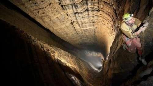 Partez à la découverte de « l'Everest des profondeurs », la grotte la plus profonde au monde