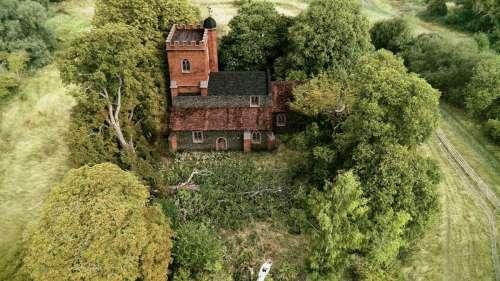 Des chercheurs mettent au jour une église vieille de près de 900 ans en Angleterre