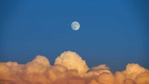Une étude à grande échelle montre que la Lune influence fortement notre sommeil
