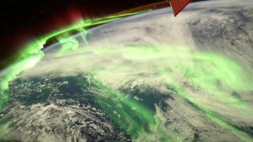 Thomas Pesquet partage un cliché somptueux des aurores polaires au-dessus de la Terre