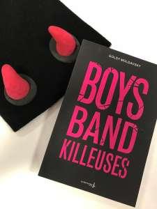 Fans, elles kidnappent le chanteur le plus moche d'un boys band...