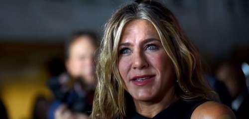 PHOTO. Le cliché dossier de Jennifer Aniston avec un look improbable