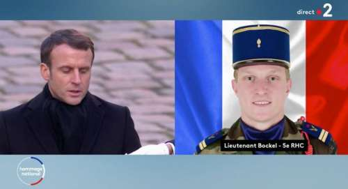 Hommage aux 13 militaires tués au Mali : Emmanuel Macron a décoré Pierre, le fils de Jean-Marie Bockel sous ses yeux (vidéo)