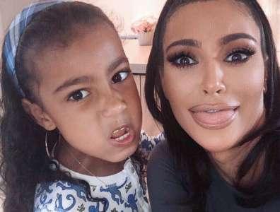 Kim Kardashian se confesse : elle a photoshoppé North West, sa fille de 6 ans, sur sa carte de Noël