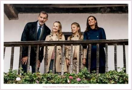 Letizia d'Espagne : découvrez sa carte de Noël avec ses filles Leonor et Sofia