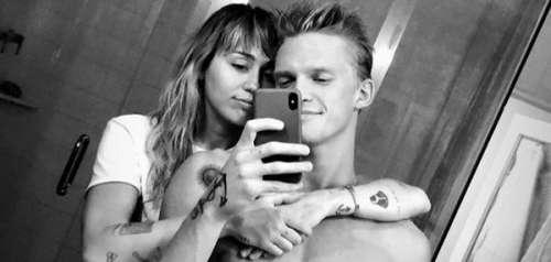 Miley Cyrus et Cody Simpson : pour Noël, ils font un concours... de twerk