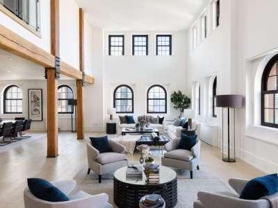 Découvrez l'incroyable penthouse de Lewis Hamilton vendu 52 millions de dollars à New York