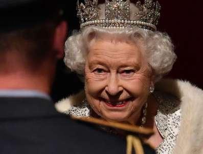 La reine Elizabeth II privée de messe : une mesure de précaution l'empêche de sortir