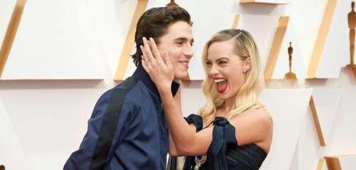 Oscars 2020 : cet instant volé où Timothée Chalamet s'amuse à faire un photobomb à Margot Robbie