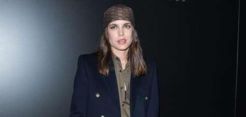 Fashion Week de Paris : Charlotte Casiraghi en look rock'n rebelle au défilé Yves Saint-Laurent