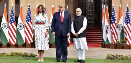 Melania Trump: voici le prix de sa dernière tenue portée en Inde