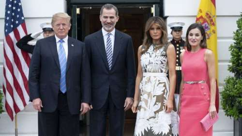 Coronavirus : la reine Letizia d'Espagne et le roi Felipe VI repoussent leur visite à Donald et Melania Trump