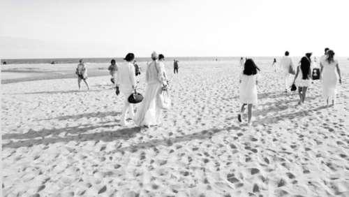Laeticia Hallyday : son vibrant hommage à Johnny avec Jade et Joy sur une plage de Los Angeles