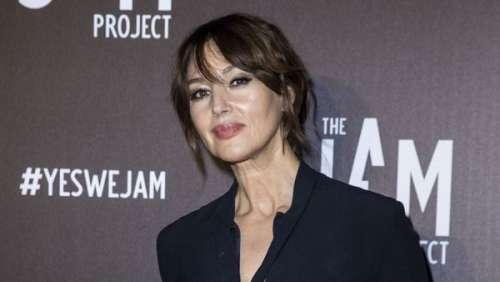 Monica Bellucci sophistiquée en noir : elle fait son premier événement à Paris depuis le déconfinement
