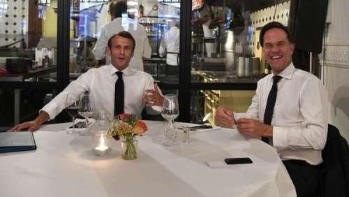 Emmanuel Macron tombe la veste pour un dîner décontracté aux Pays-Bas