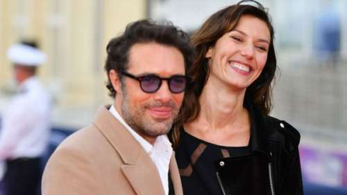 Nicolas Bedos retrouve le sourire : sa complice Doria Tillier présente à ses côtés au Festival de Cabourg