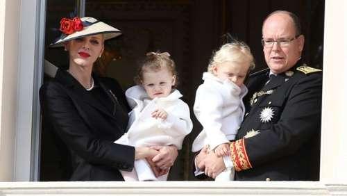 Albert et Charlène de Monaco partagent un portrait de famille avec Jacques et Gabriella pour célébrer leurs 9 ans de mariage