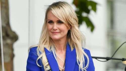 Laeticia Hallyday : son tacle passé presque inaperçu à Nathalie Baye et Sylvie Vartan