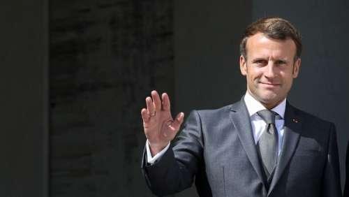 Emmanuel Macron dévoile la photo officielle (un peu spéciale) de son nouveau gouvernement