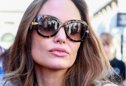 Angelina Jolie : son geste très coquin pour séduire Brad Pitt sur un tournage