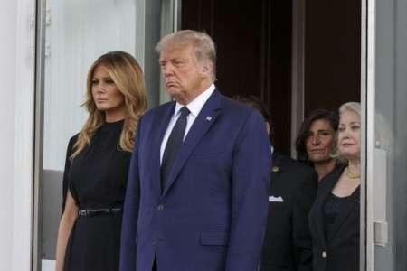 Donald Trump, visage fermé, accorde des obsèques à la Maison-Blanche à son frère Robert
