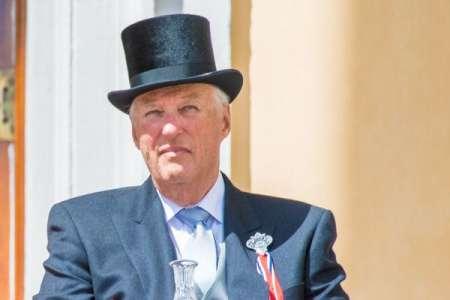 Le roi Harald de Norvège de nouveau hospitalisé
