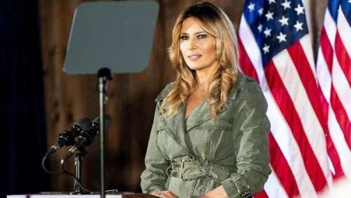 Melania Trump fait campagne pour son mari en trench vert militaire pour un discours solo