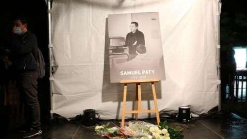 Mort de Samuel Paty : les attaques par SMS de ses collègues quelques jours avant son assassinat