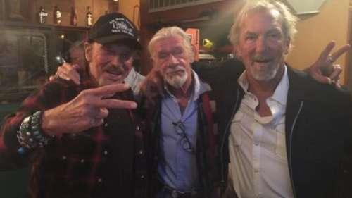 Johnny Hallyday : qui l'a accompagné pour son dernier road trip ?