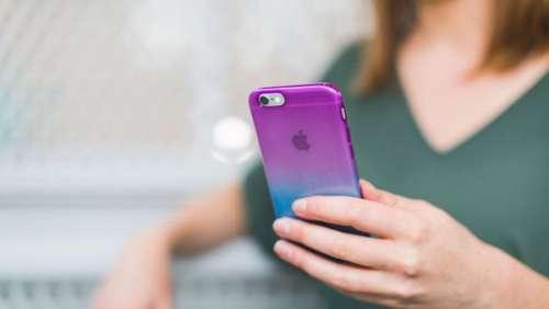Une jeune femme de 24 ans meurt dans son bain électrocutée par son iPhone