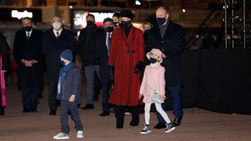 Charlène et Albert de Monaco : Jacques et Gabriella attentifs et masqués aux côtés de leurs parents