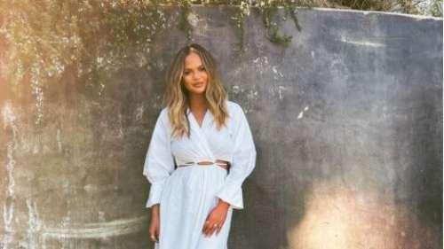 Chrissy Teigen bouleversante : elle poste des clichés d'elle enceinte avant sa fausse-couche
