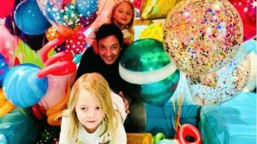 Jimmy Fallon célèbre l'anniversaire du Tonight Show avec ses filles sur Instagram