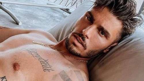 Entièrement nu sur Instagram, Baptiste Giabiconi séduit les internautes... et Ricky Martin !