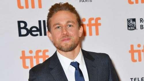 Charlie Hunnam : pourquoi a-t-il refusé le rôle de Christian Grey dans 50 Nuances de Grey?