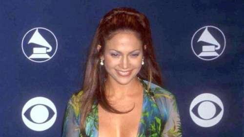L'histoire derrière le look. Jennifer Lopez: pourquoi cette robe estle vêtement le plus marquant des Grammys