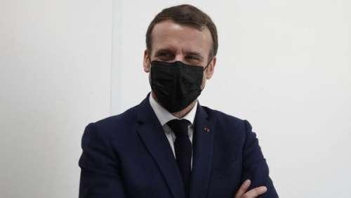 Emmanuel Macron : ce petit changement en vue dans la vie des Français qui l'inquiète pour le couvre-feu
