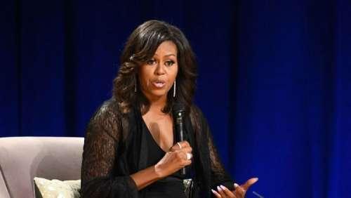 Michelle Obama : l'ex-First Lady poste fièrement une photo de sa vaccination contre la COVID-19