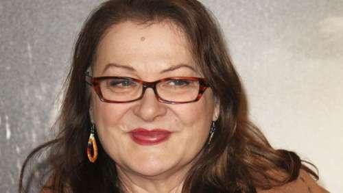 Josiane Balasko en deuil : l'actrice pleure la mort de Michel Kharat, célèbre ingénieur du son