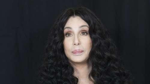 Cher : la chanteuse s'excuse après ses tweets controversés sur un sujet ultra sensible
