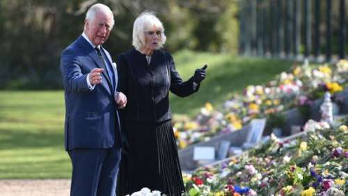 Mort du prince Philip : submergés par l'émotion, Charles et Camilla fondent en larmes