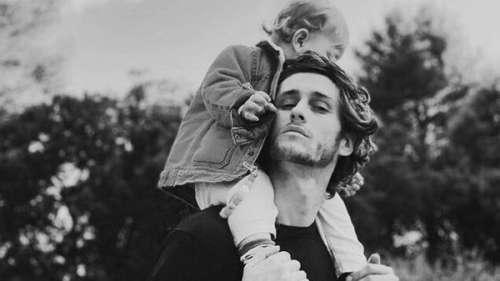 Jean-Baptiste Maunier : la star des Choristes partage une tendre photo avec son fils