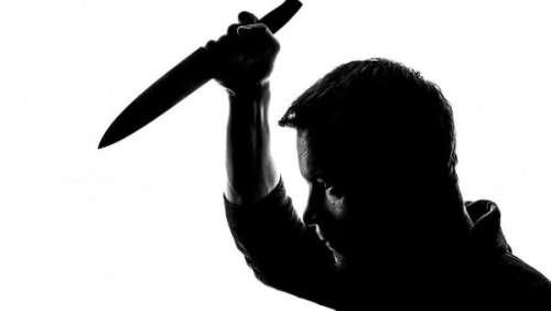 Un jeune homme massacre une famille entière par vengeance amoureuse