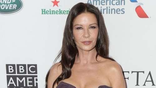 Catherine Zeta-Jones: ses confidences sur son beau-père Kirk Douglas, dont la mort l'a beaucoup affectée