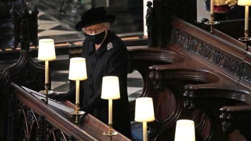 Obsèques du prince Philip :pourquoi Elizabeth II s'est-elle assise seule