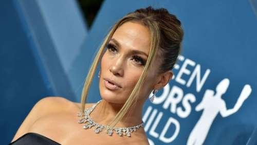 Jennifer Lopez : cette photo époustouflante où elle pose entre sa fille et sa mère