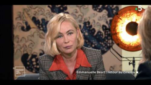 Claire Chazal sèchement remise en place par Emmanuelle Béart dans Passage des arts